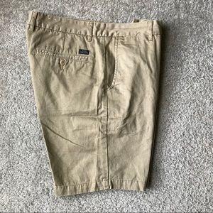 Men's shorts Sz 33 Globe khakis chino style